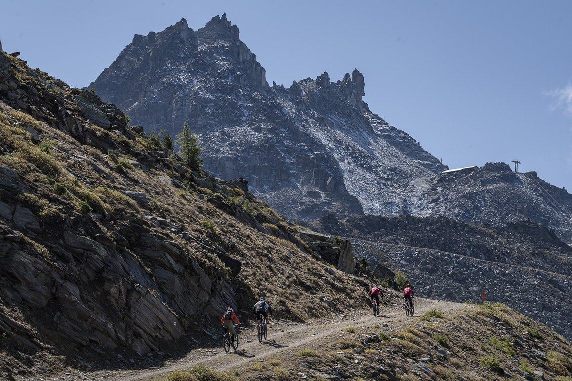 Der erste Aufstieg hatte es richtig in sich! Es ging verdammt steil bergauf.