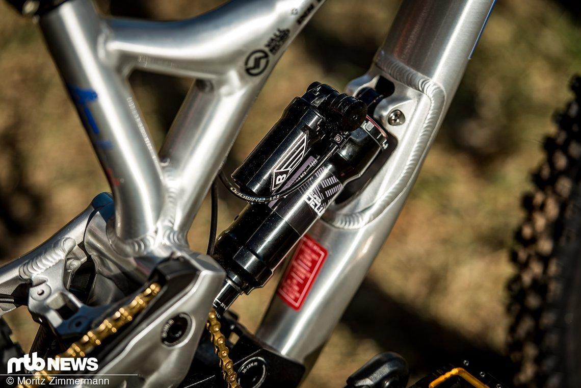 Das spannendste Detail am WM-Bike von Pompon ist wohl der RockShox-Luftdämpfer inklusive Remote-Lock Out