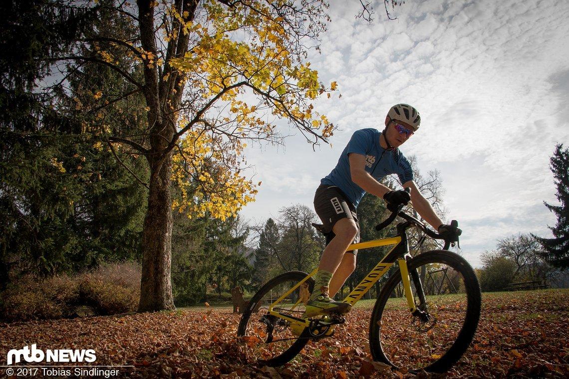 Das neue Inflite CF SLX soll die bisherige Lücke in der Produktpalette von Canyon schließen und Cyclocross-Rennfahrer glücklich machen