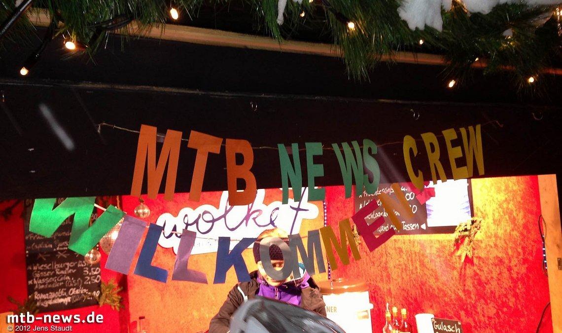 Welcome - 2012 wurde MTB-News in Innsbruck am Glühweinstand nach dem Biken empfangen