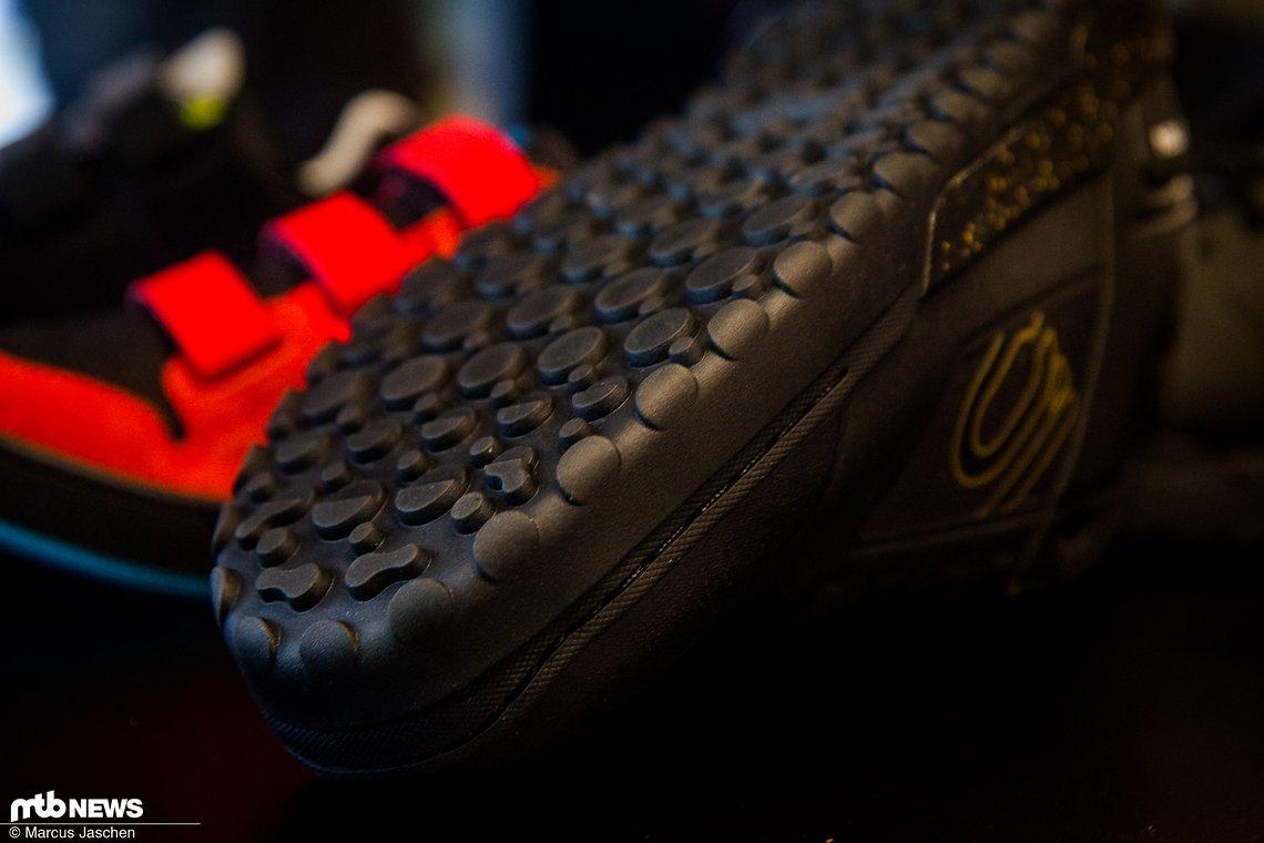 Die Impact Pro haben jetzt für jede Schuhgröße eine eigene Sohlenform