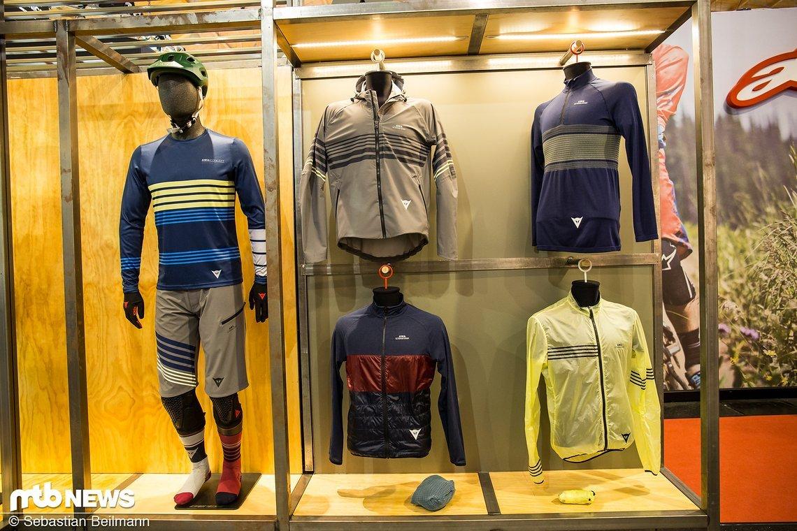 Die komplette AWA Kolletion umfasst Jacken ...