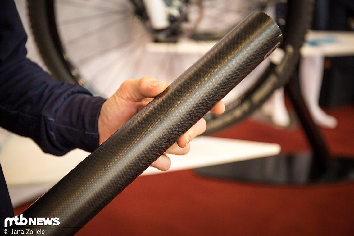 Aus diesen Carbon-Rohren wird jeder bestellte Rahmen gefertigt