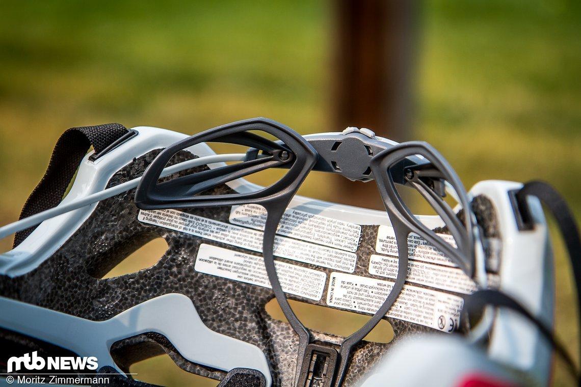 Auch der 4Forty verfügt über ein Verstellsystem das sich an den Kopfumfang anpassen lässt und in der Höhe verstellbar ist