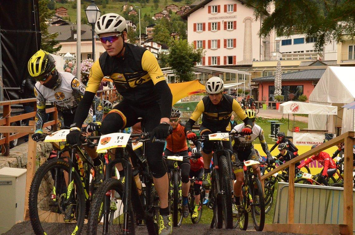 Start zu Etappe 2: 72 Kilometer und 2500 Höhenmeter warteten