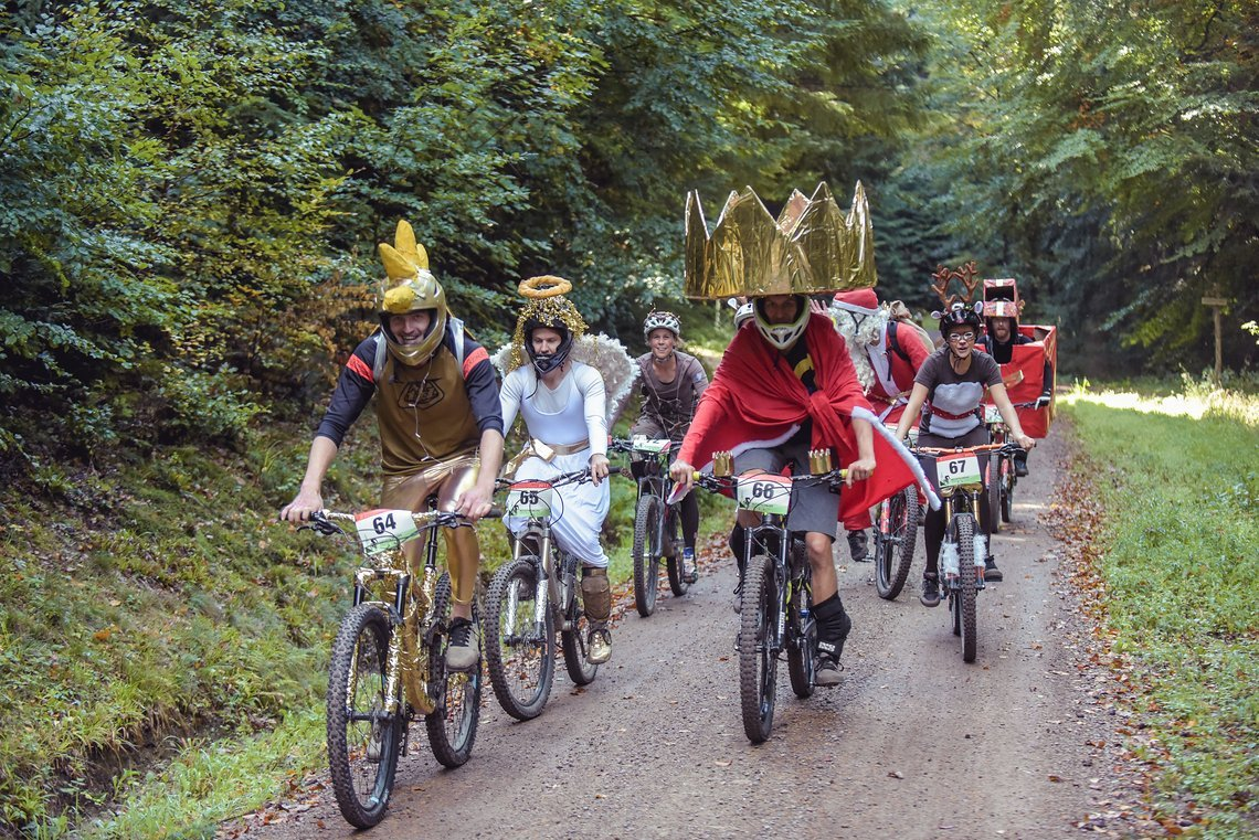 Team Weihnachten auf dem Weg zur Kostümwertung