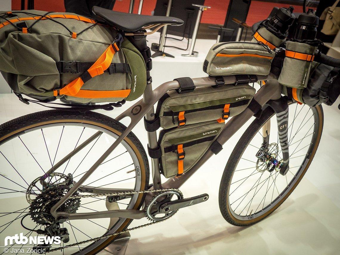 Komplette Bikepacking-Ausstattung am Gravel-Bike