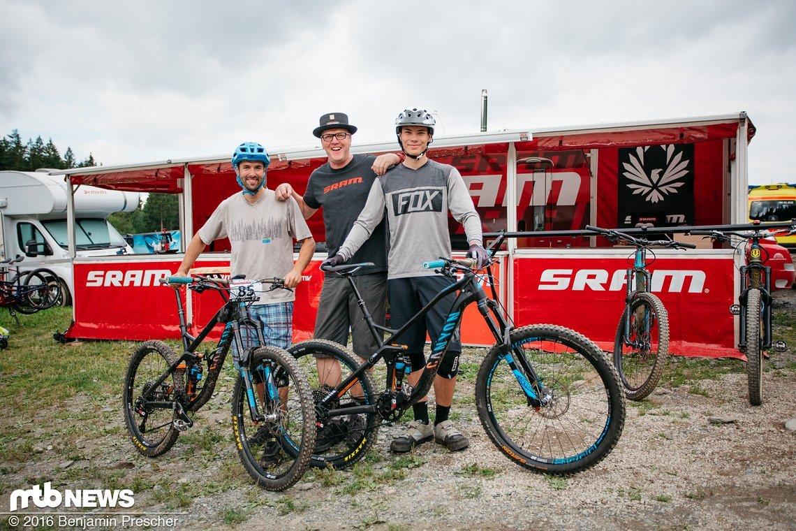 Martin und Erik mit neuer SRAM Eagle bereit für den Renneinsatz