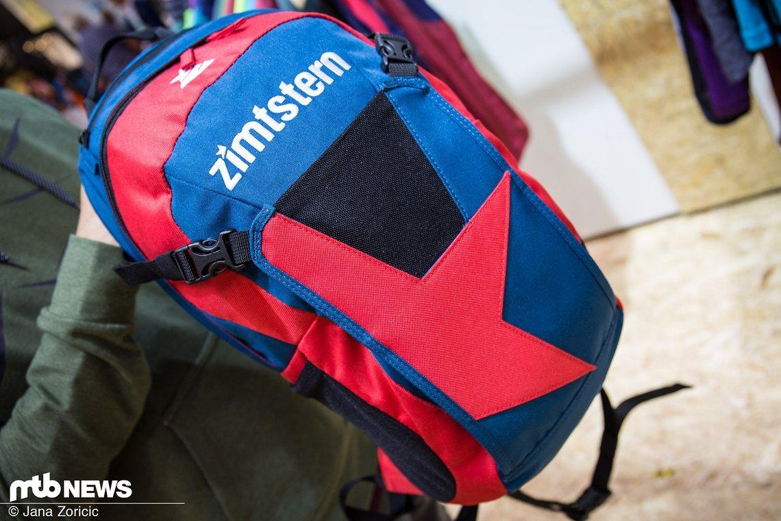 Ganz neu im Programm – ein Rucksack im schlichten Zimtstern-Design
