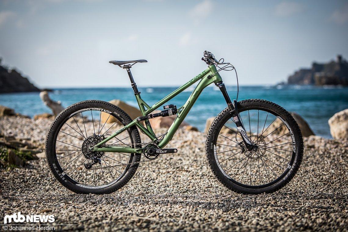Das Alutech ICB 2.0 ist ein schickes Trailbike, das mit vielen durchdachten Detaillösungen zu überzeugen weiß