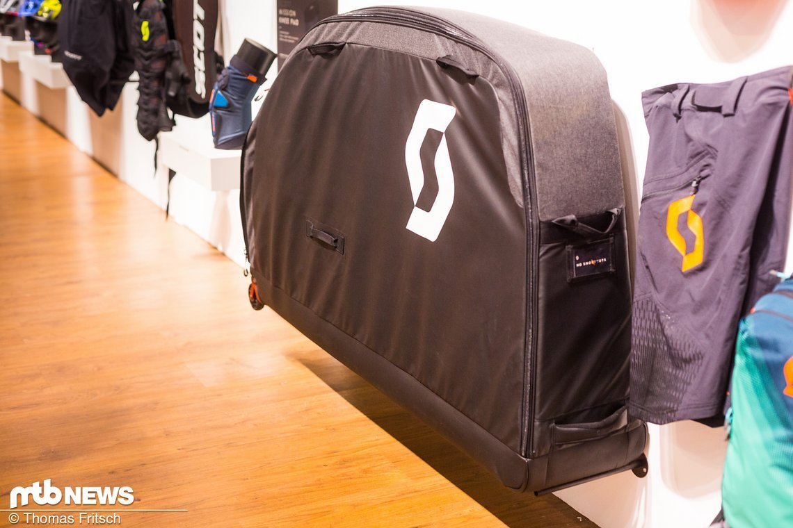 Mit nur 8,6 kg und stabiler Konstruktion soll die Transporttasche 2.0 alles mitmachen
