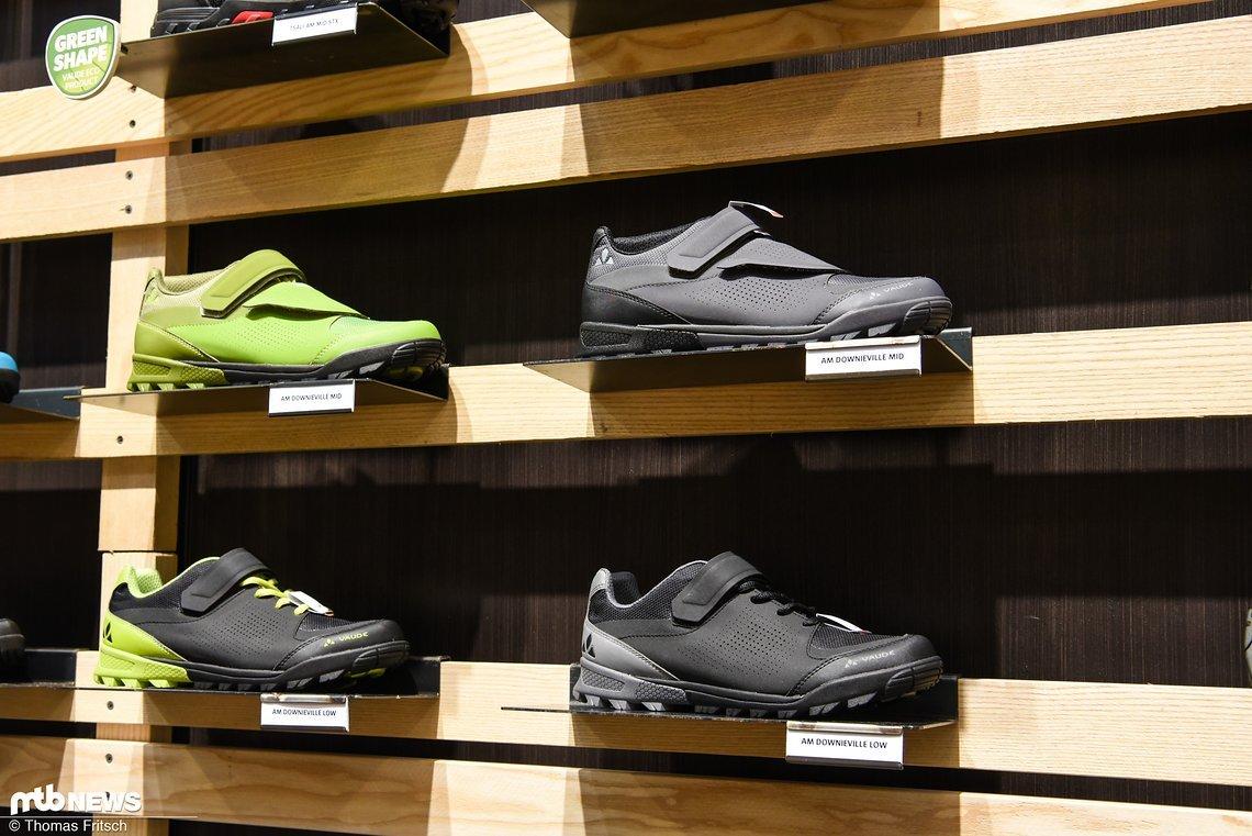 Auch Schuhe sind natürlich weiterhin im Sortiment zu finden