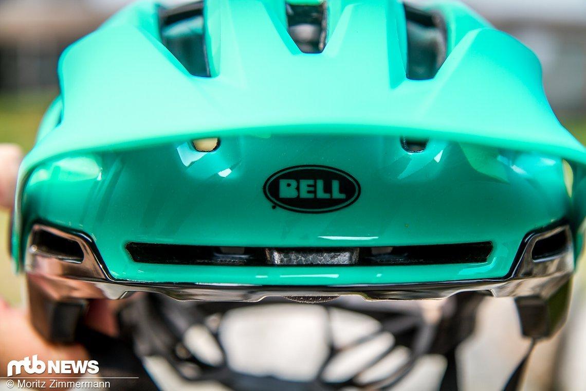 Die Belüftungskanäle ziehen sich von der Vorder- bis zur Rückseite des Helmes und sollen so eine gute Ventilation garantieren.