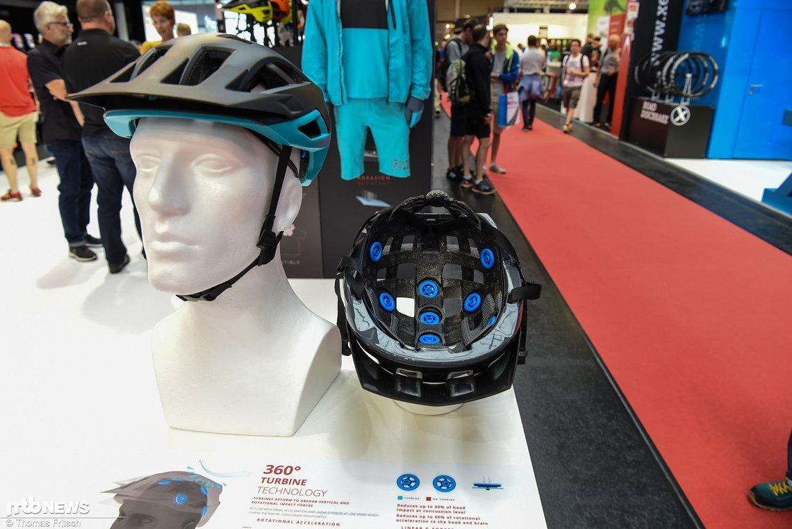 Der Leatt DBX 2.0 Helm