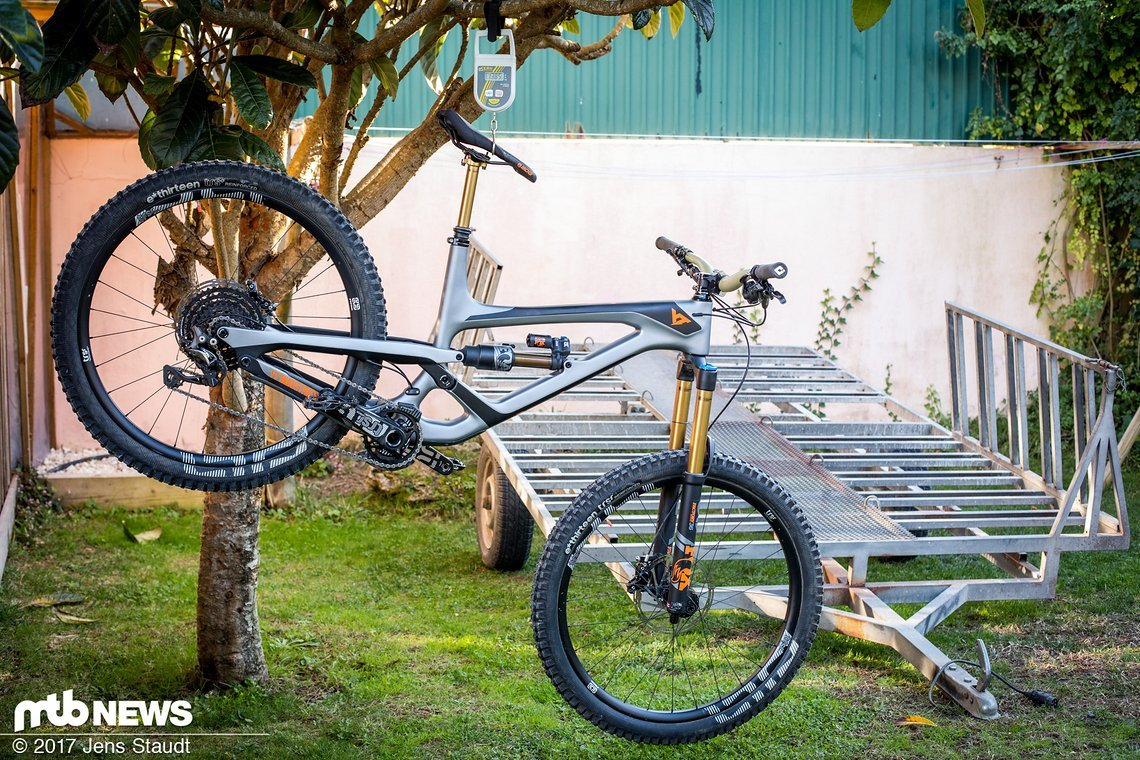yt industries capra 2018 test des neuen superenduros in. Black Bedroom Furniture Sets. Home Design Ideas