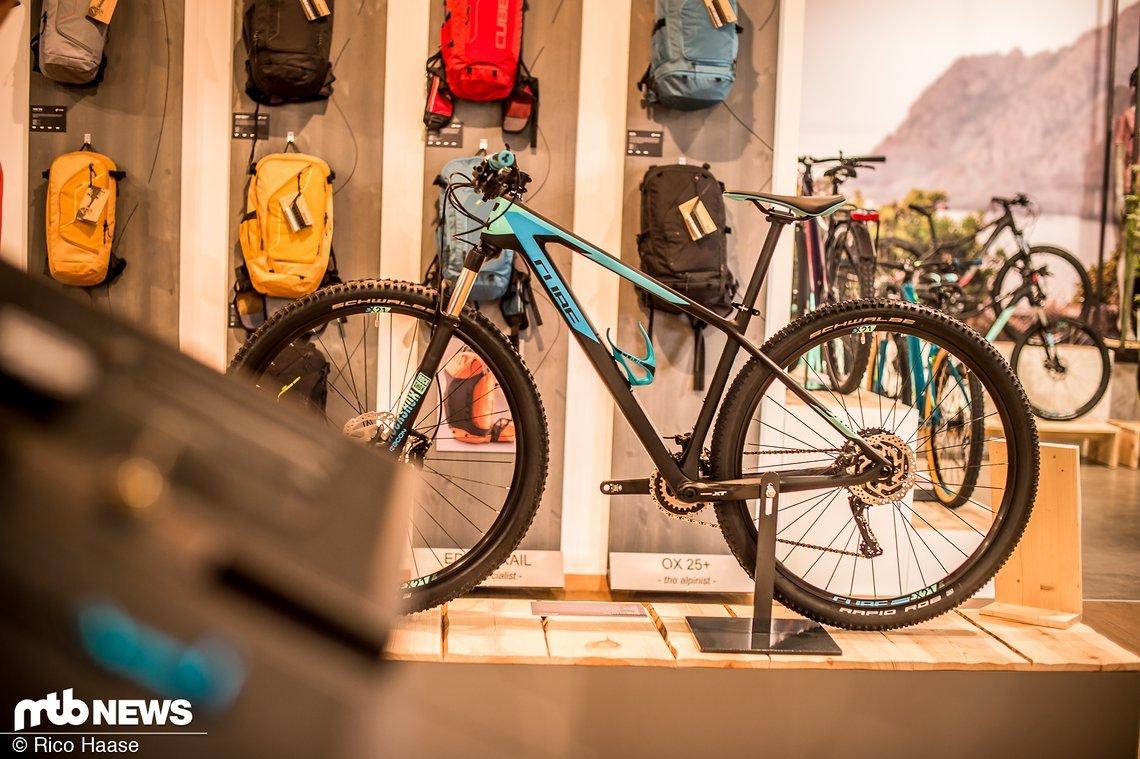Während der Hausmesse im heimischen Waldershof stellte Cube wieder eine Menge neuer und überarbeiteter Bikes und Accessoires vor.