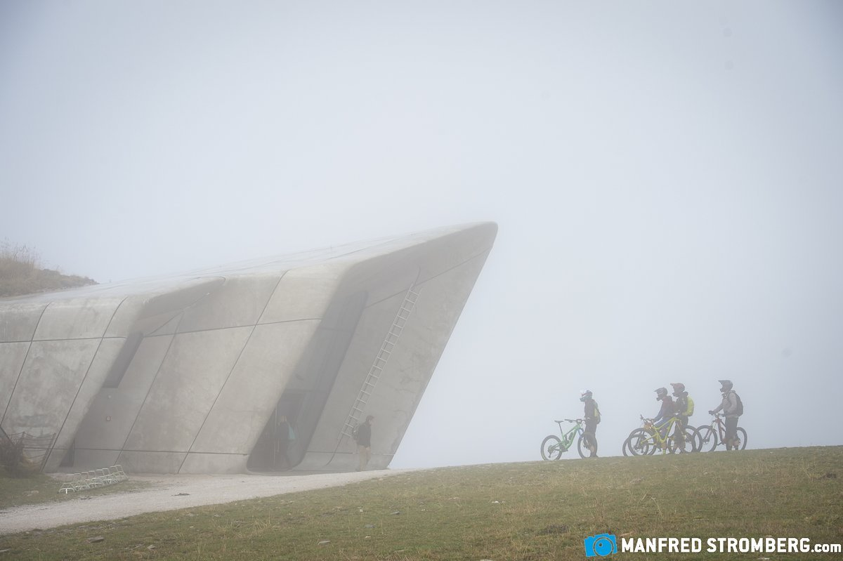 Enduro-Race meets Messner Mountain Museum