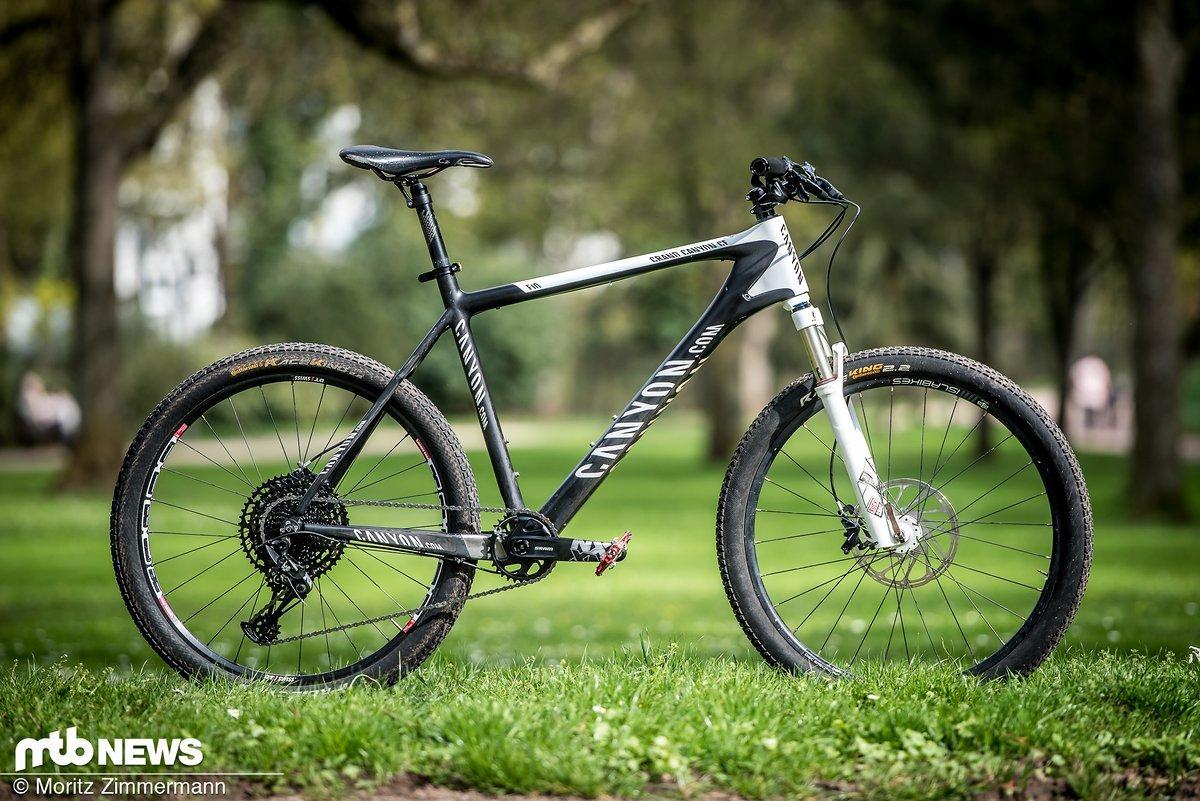 """Unser Testbike: ein 2013er (!) Hardtail (!!) mit 26""""-Laufrädern (!!!)"""