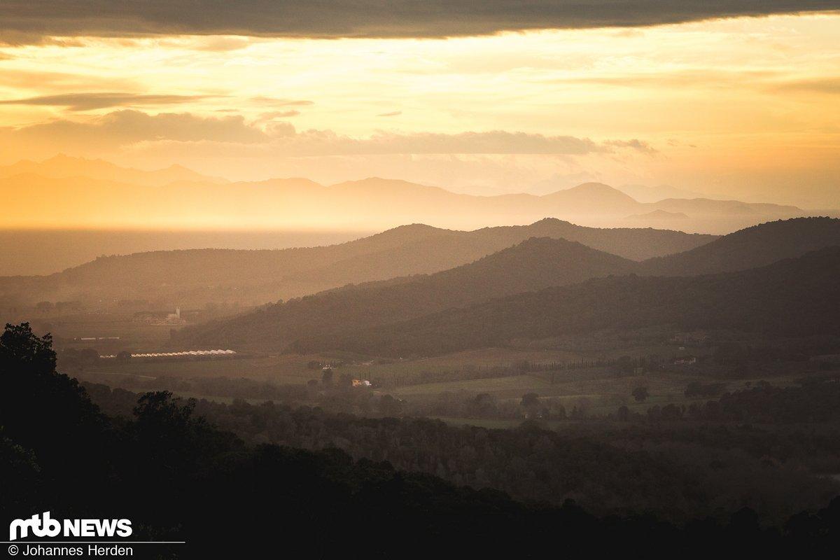 """Sonnenuntergang in Punta Ala – diesen Blick erhält man auf """"Le Valette"""""""