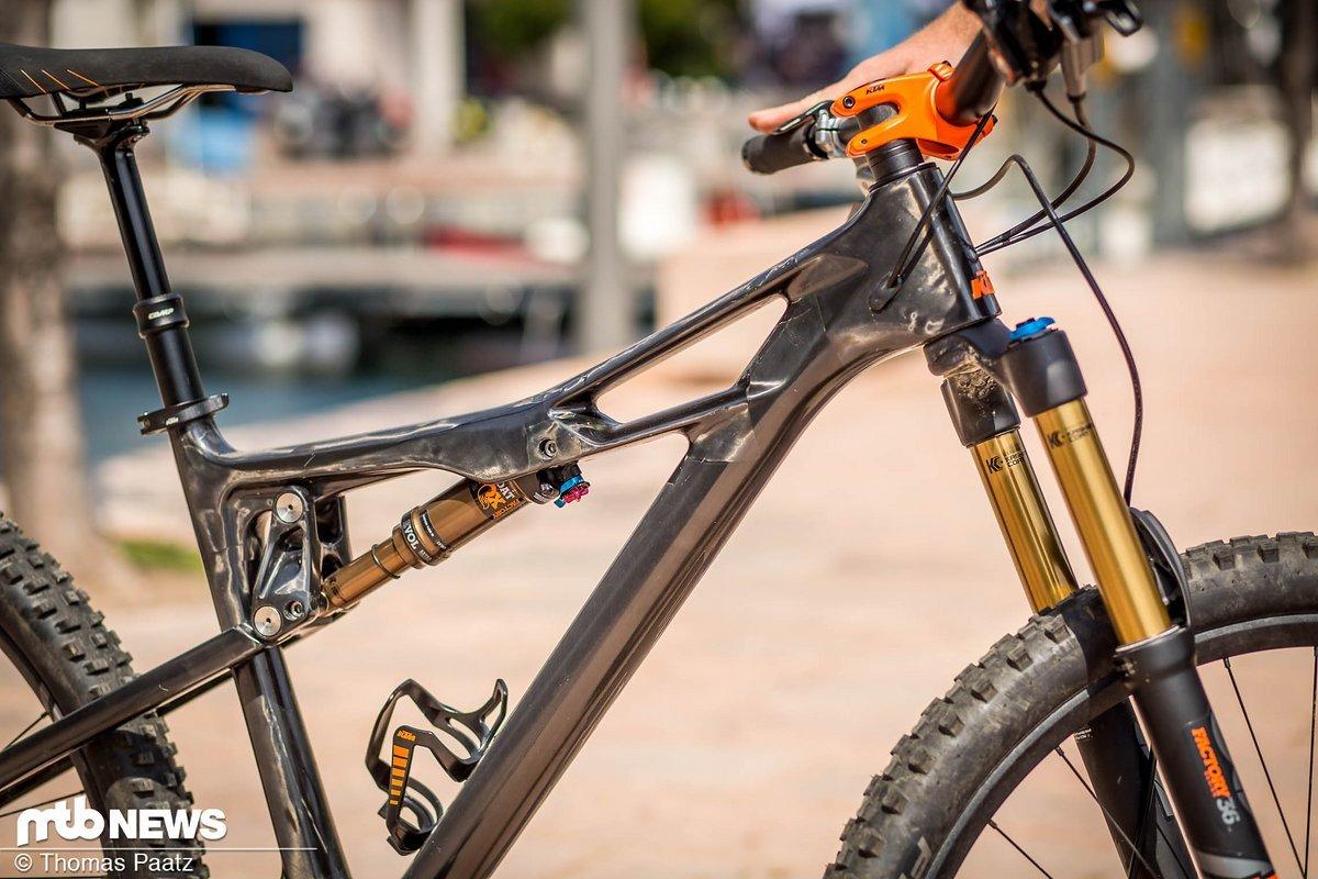 Die Carbon-Optik des Vorführbikes ist der Hammer