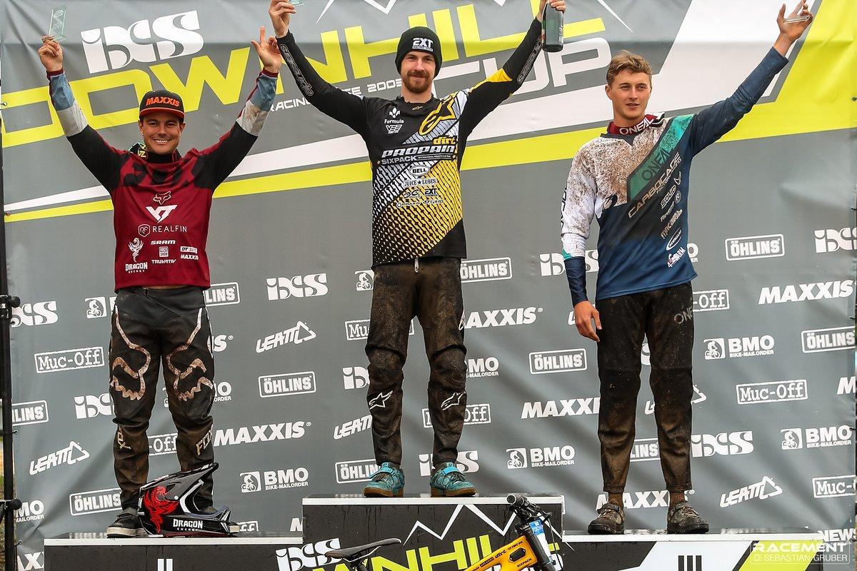 Das Männer Podium: David Trummer gewann vor Johann Potgieter und Joshau Barth.