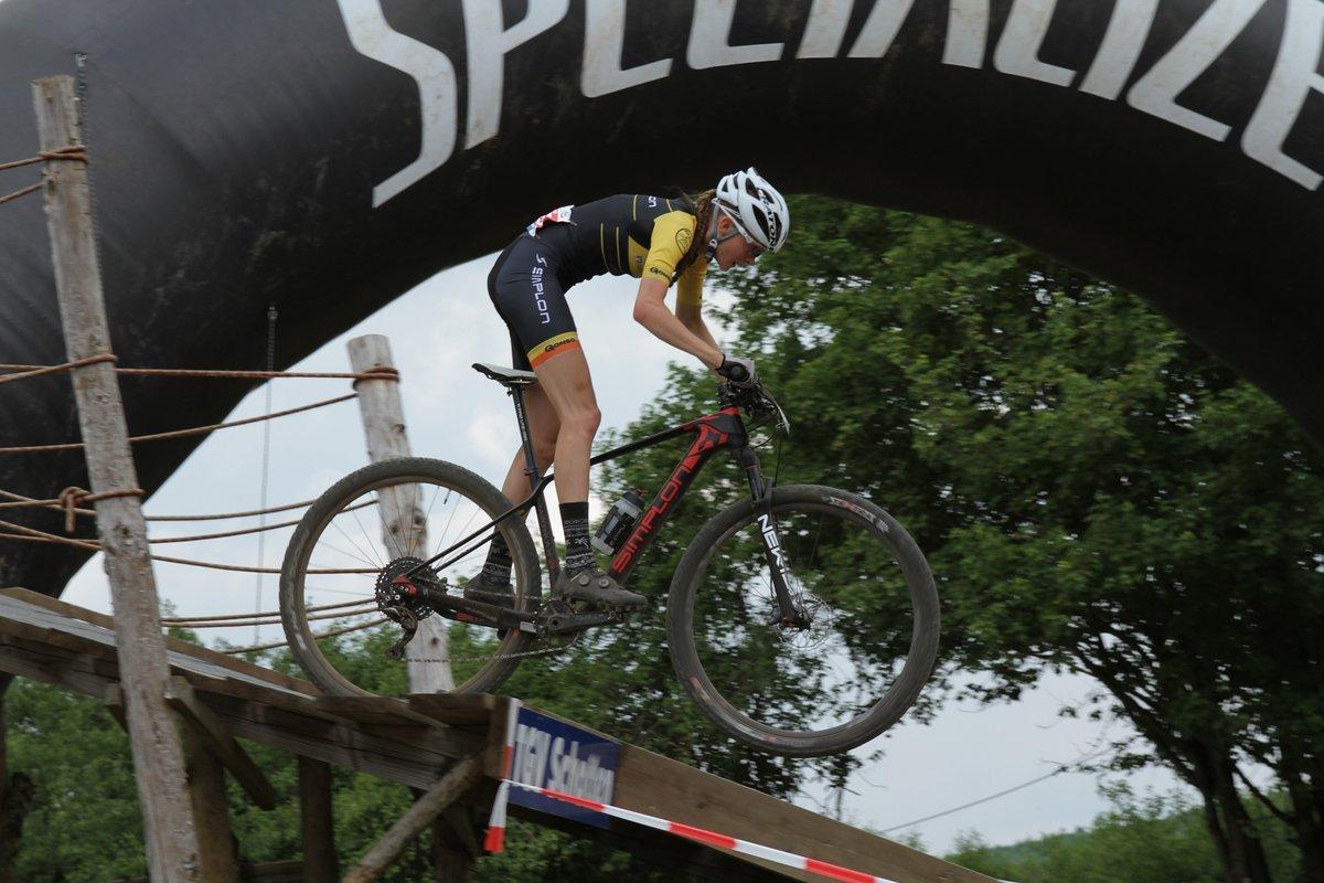 Ronja Eibl vom Gonso-Simplon-Racing-Team zeigte einen couragierten Auftritt und wurde Zweite.