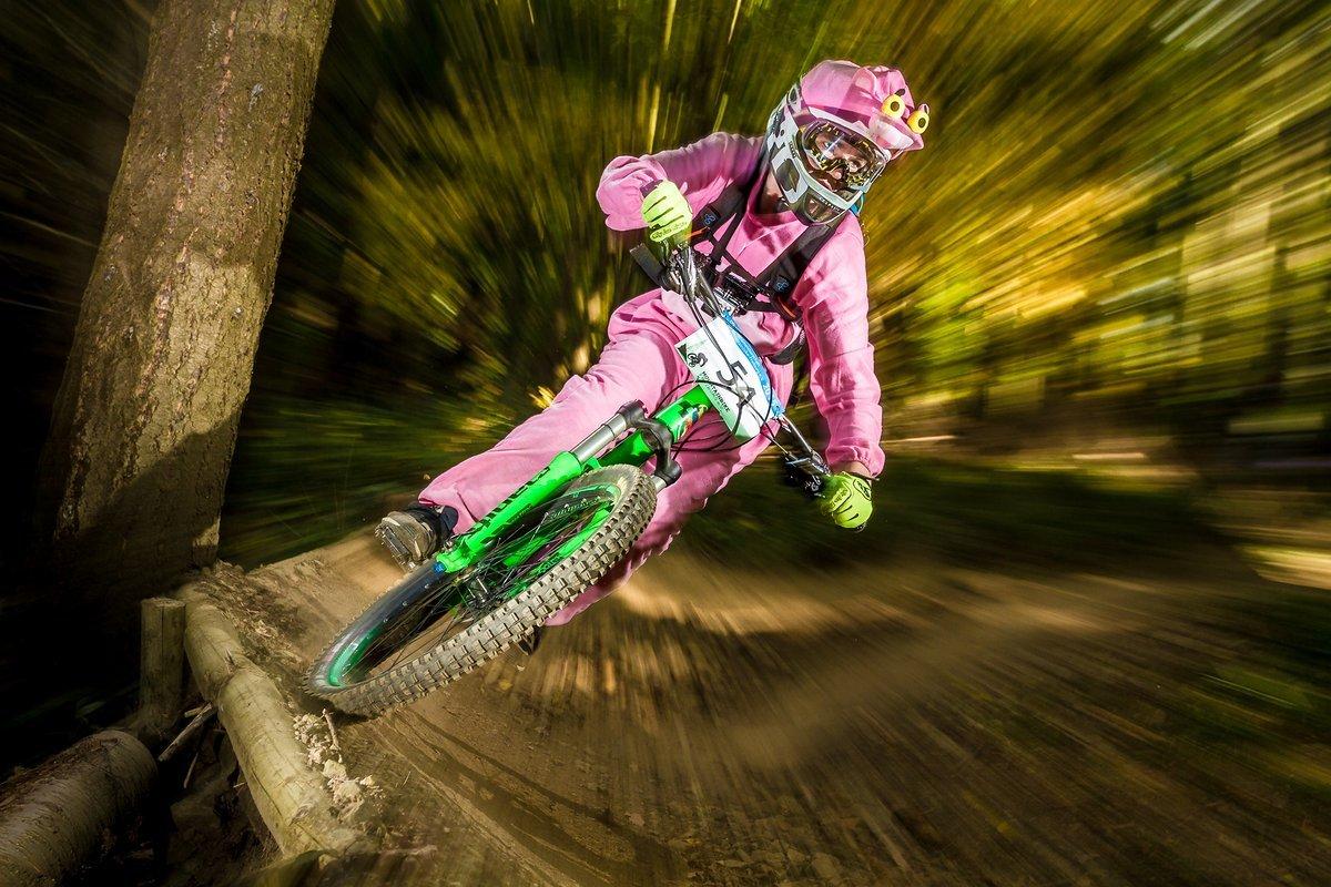 Falk Schlageter ganz in rosa