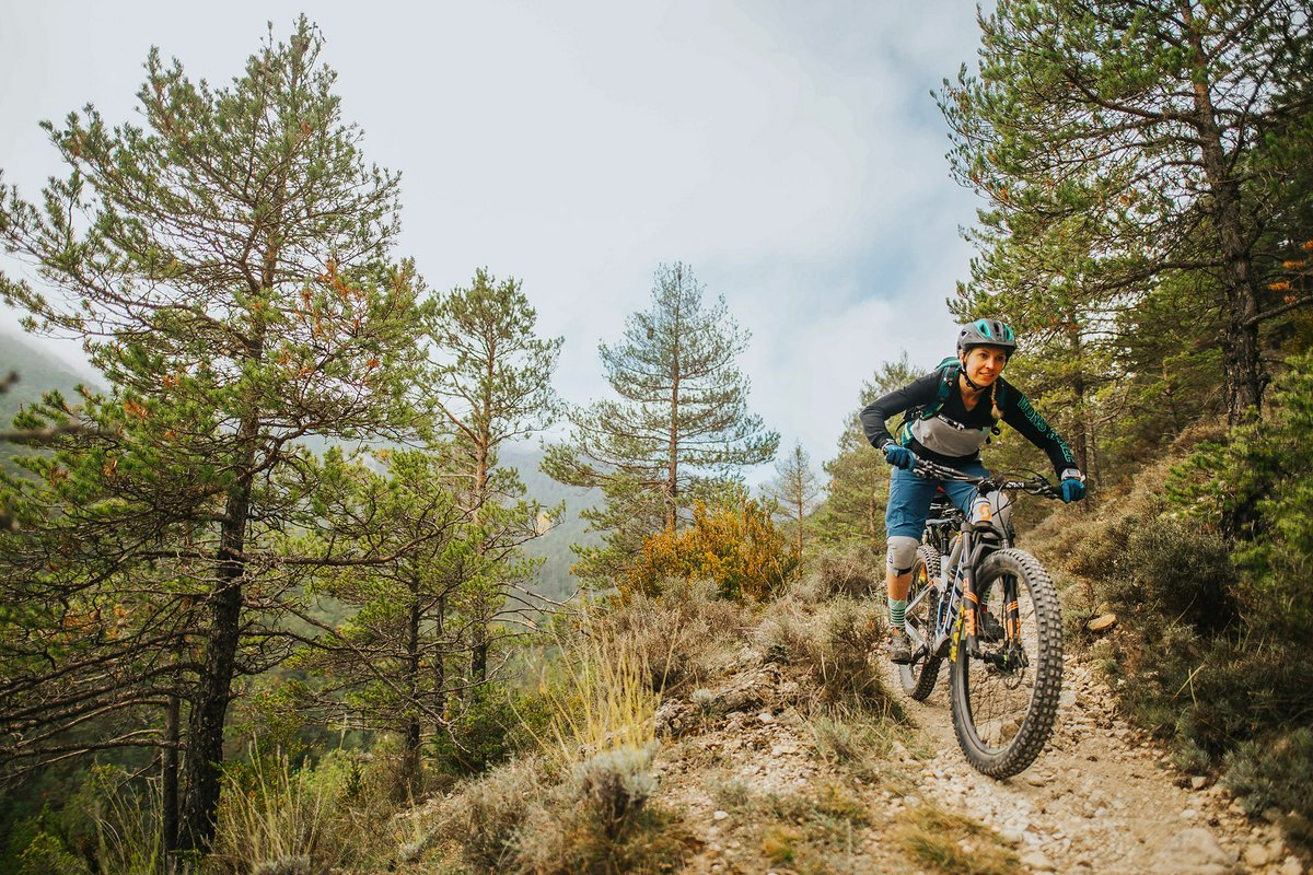 pyrenees-orientales-altitude-adventures-mtb-outsideisfree-tina-trail