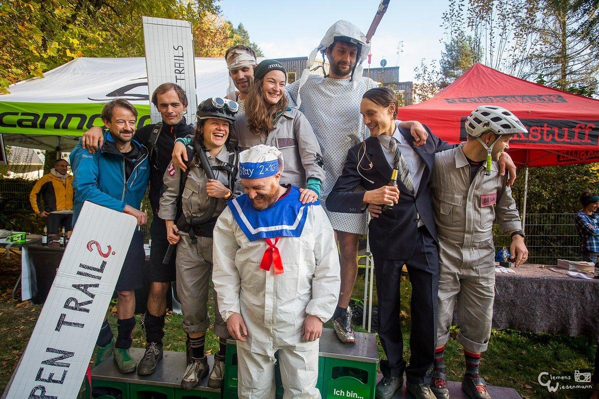 Was für ein Kostüm-Podium! OpenTrails-Aktivisten, Ghostbusters, Patienten und der Fahrvermögensberater