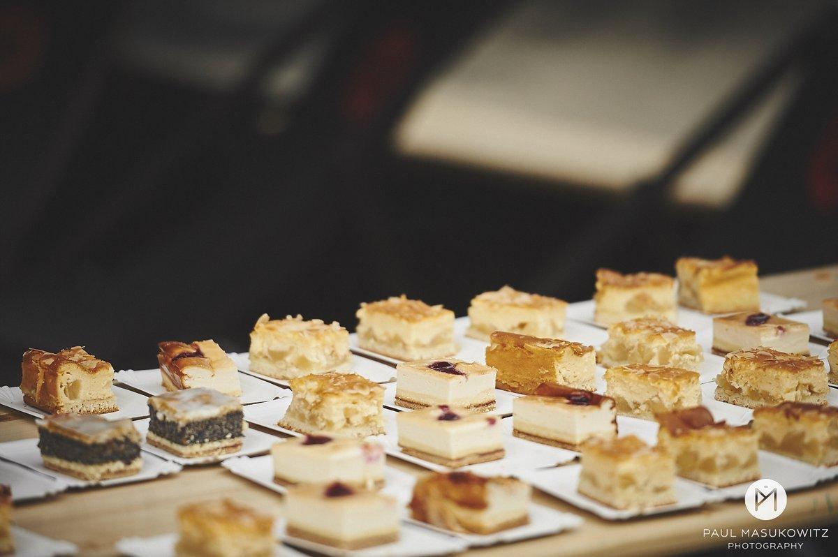 Im Ziel warten Kuchen für alle!