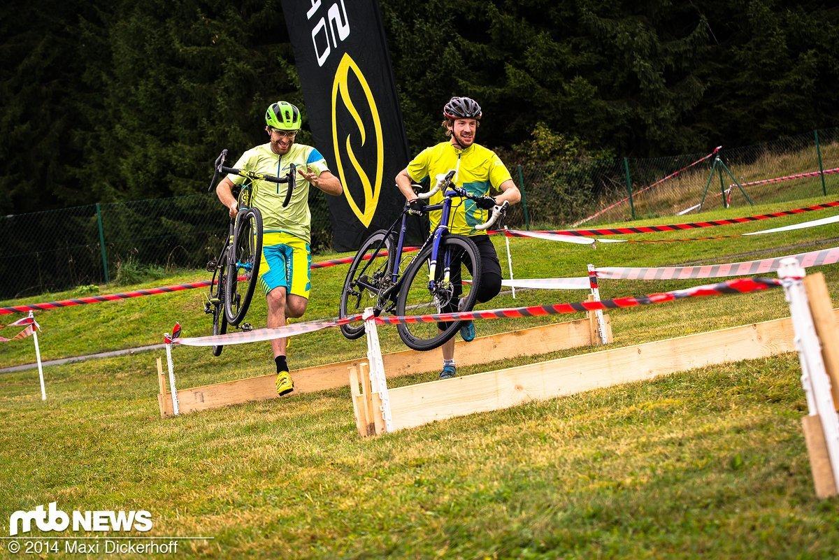 Neue Erfahrung: Maxi und Redaktionskollege Thomas Fritsch beim ersten (und bisher letzten) gemeinsamen Cyclo Cross Rennen
