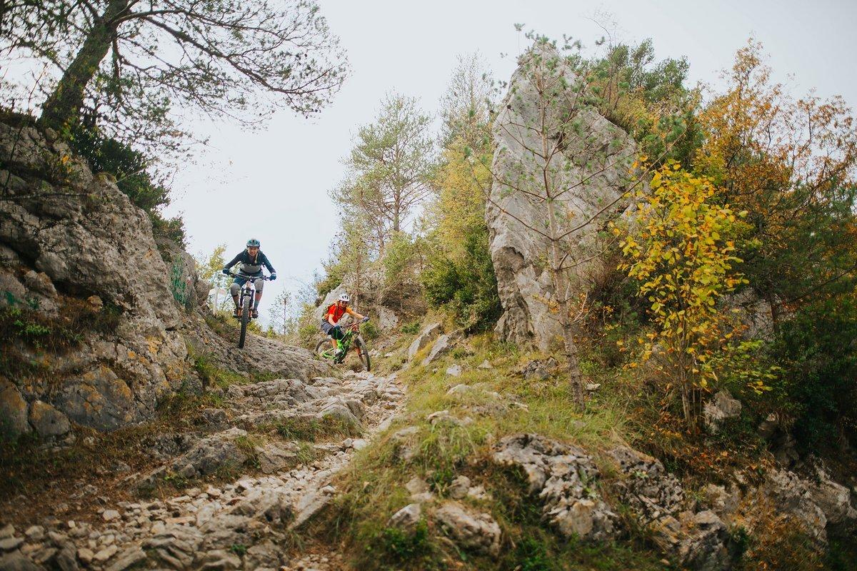 pyrenees-orientales-altitude-adventures-mtb-outsideisfree-tina-enduro