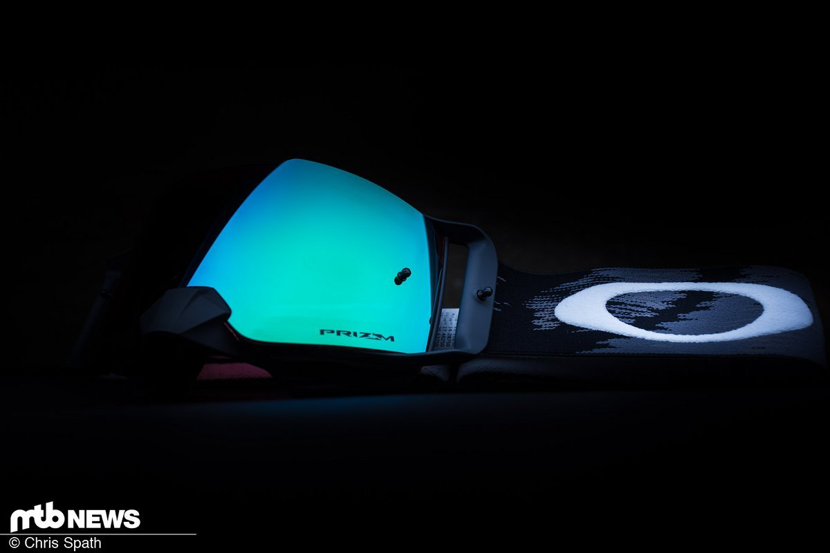 Oakley Front Line MX Goggle im Test: Kontrastverstärker für