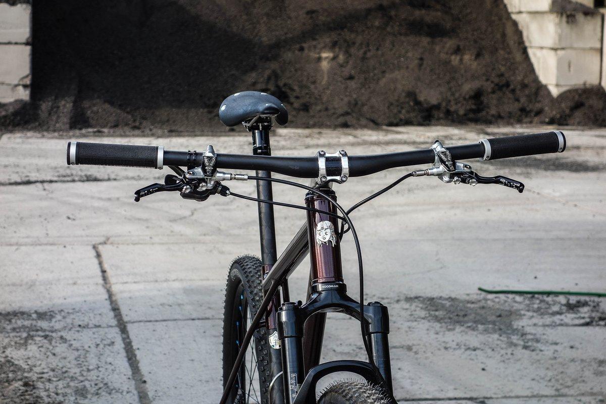Carbon-Cockpit aus Fernost