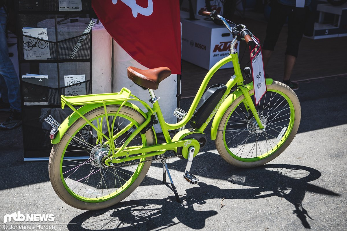 Wer mag grün? Kurzer Cruiser für Damen