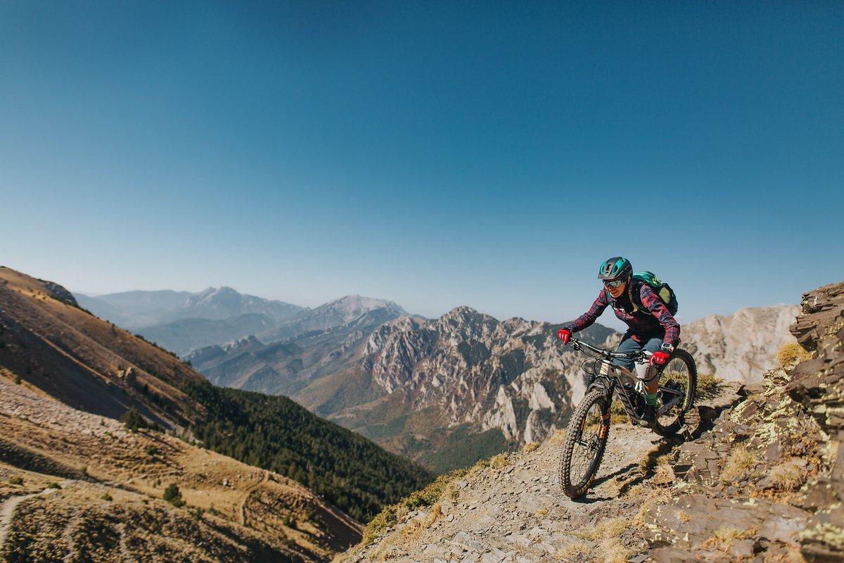 pyrenees-orientales-altitude-adventures-mtb-outsideisfree-tina panorama