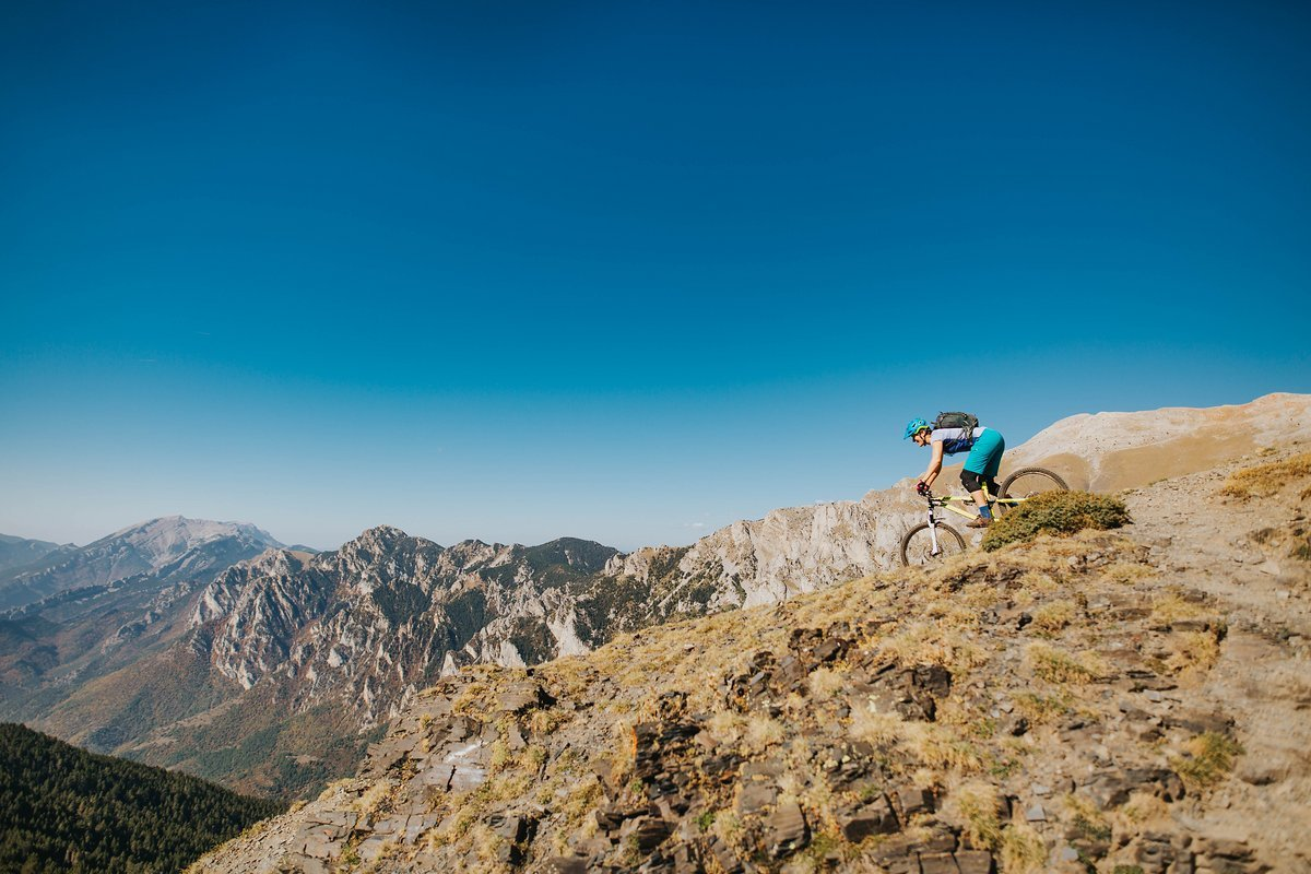 pyrenees-orientales-altitude-adventures-mtb-outsideisfree-panorama-trail