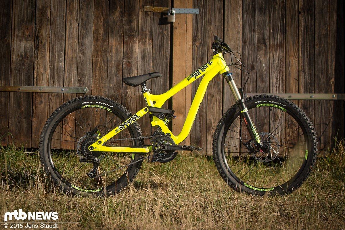 Ein gelber Flitzer - Commencal Supreme 24
