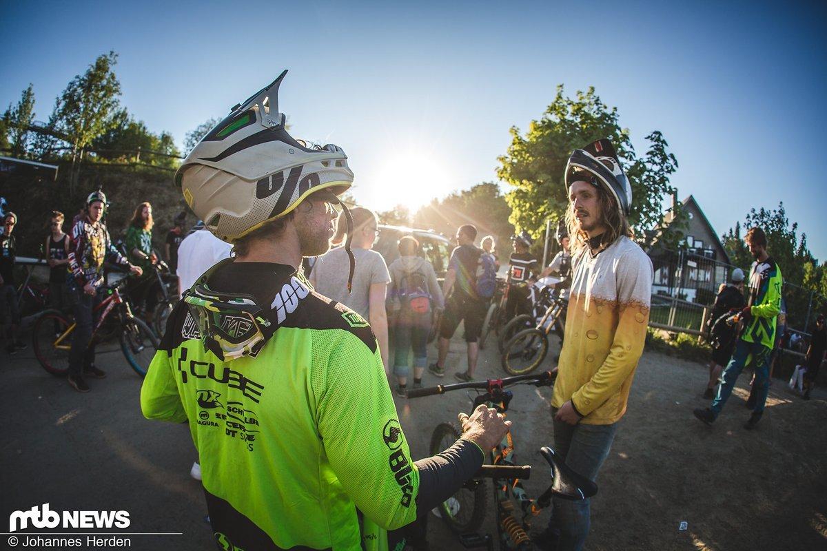 Matt Walker und Jan von Ronny Racing im Gespräch