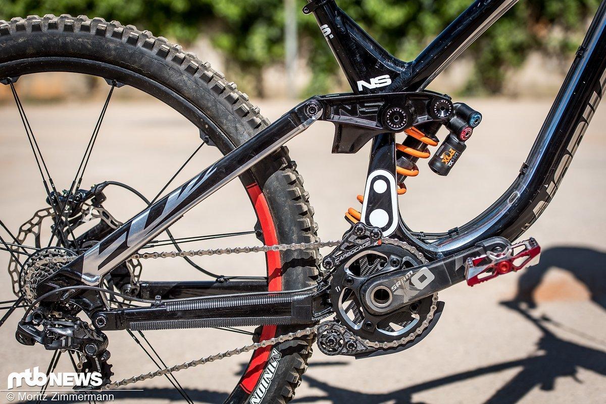 Das NS Bikes Fuzz 29 verfügt unter anderem über einen einteiligen Link, der die Steifigkeit des Hinterbaus erhöhen soll.
