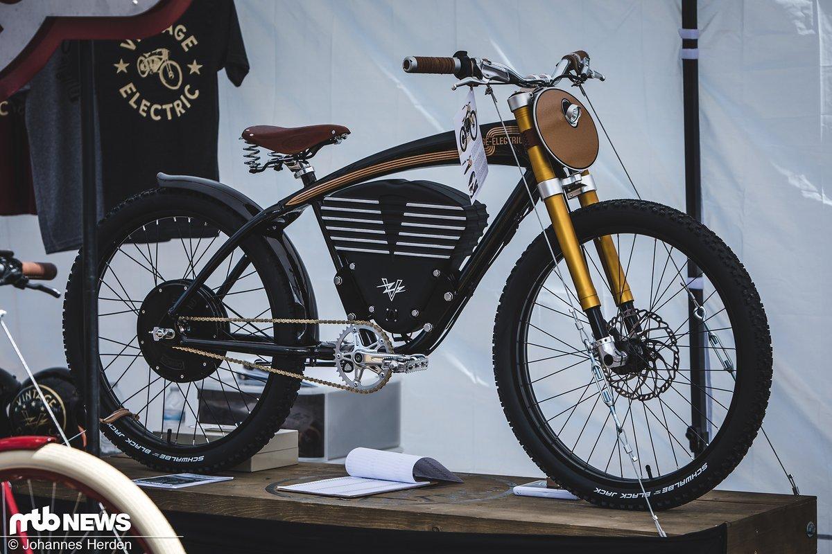 Vintage Electric bringt E-Bikes, die aussehen wie Motorräder - und durch den Vintage-Look erst auf dem zweiten Blick als E-Bikes erkennbar sind.