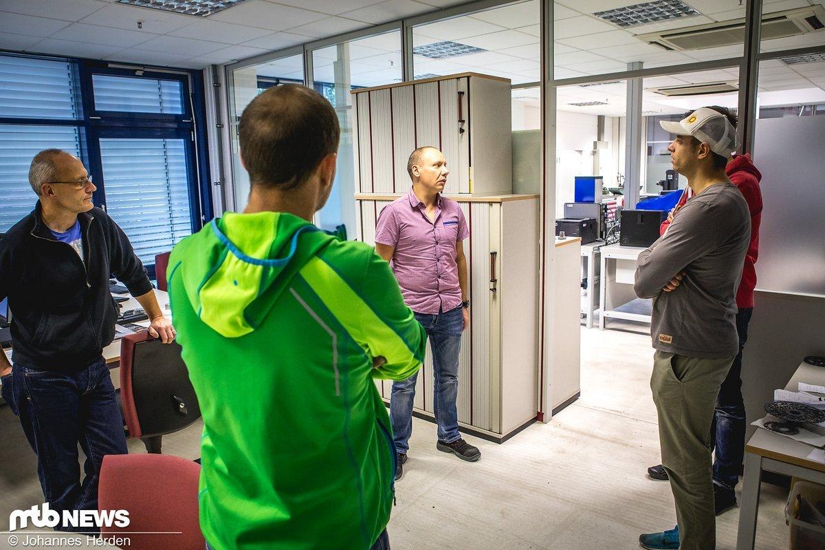 Im Vermessungsraum werden Produkte, Prototypen auf das µ genau vermessen und überprüft