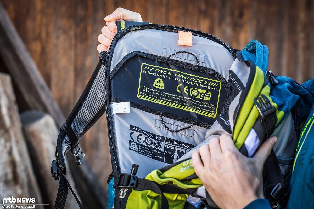 dc06ce5324c1c Der Rückenprotektor bringt stattliche 423 g auf die Waage und füllt den  Rucksack komplett aus