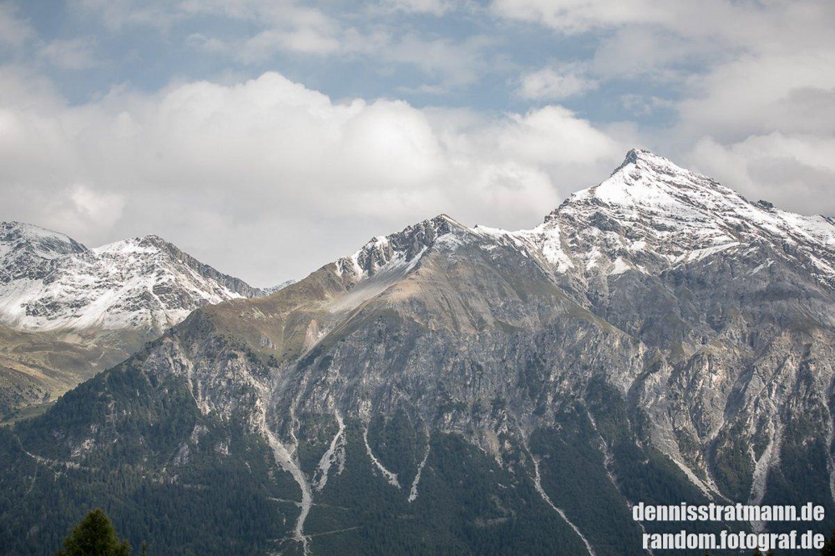 Schnee auf den Gipfeln - aber nicht auf den Trails