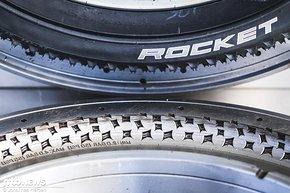 Was ist eine Mold eigentlich? Hier kann man es gut erkennen: Ein Negativprofil des Fahrradreifens, in dem der Reifen unter Hitze vulkanisiert wird