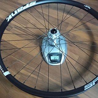 Gewicht Spank Systemlaufräder Spank Spike Race33 + Hope Pro4 15mm Vorderrad + Sapim D-Light und Sapim Laser 27,5 100x15