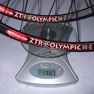 Gewicht Tune Systemlaufräder King Kong + ZTR Olympic VR: 100mm/QR + HR: 135mm/QR