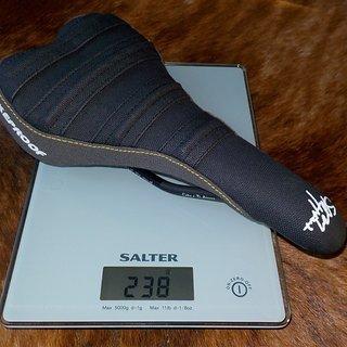 Gewicht Nukeproof Sattel Sam Hill Signature SCRUB
