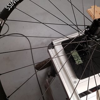 Gewicht DT Swiss Systemlaufräder E1700 SPLINE TWO 29'' (25mm) Disc IS BOOST (12x148mm) Black HR 29
