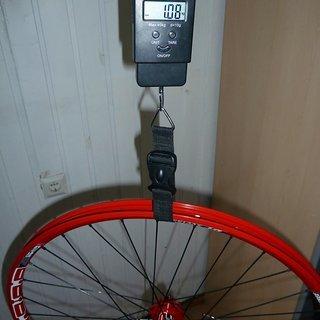 """Gewicht DT Swiss Systemlaufräder E 2000  26"""",HR,135/5mm"""
